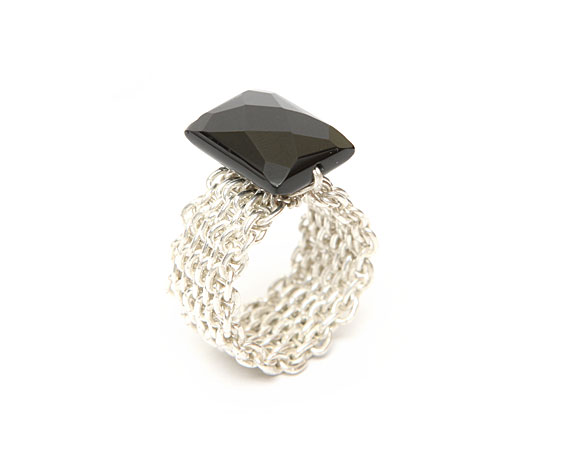 Mesh Design Ring with stone